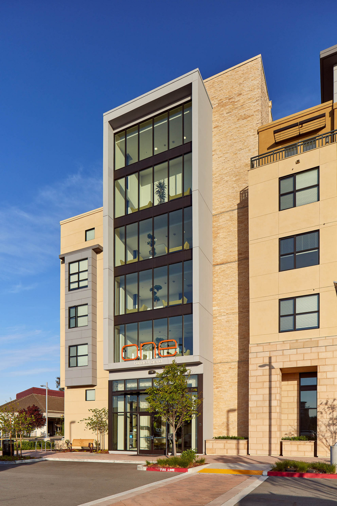 One Hundred Grand Apartments, Seidel Architects